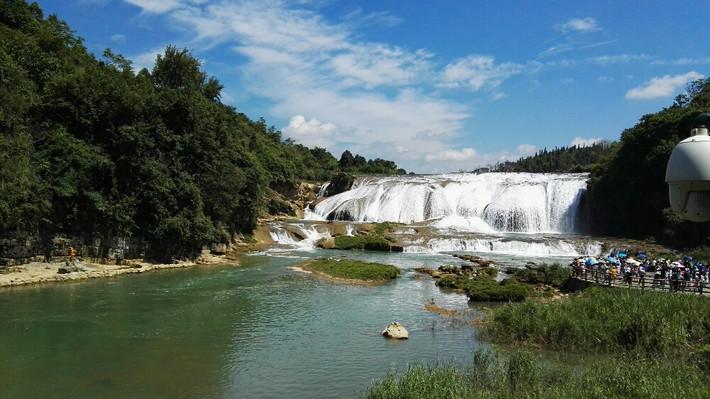 壁纸 风景 旅游 瀑布 山水 桌面 710_399