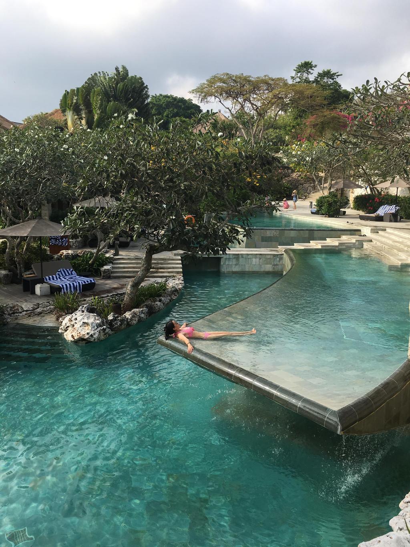 都说巴厘岛是一流的酒店,二流的海滩,三流的景点.