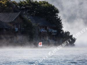 泸沽湖里格半岛阳光会所