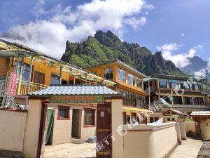 迭部扎尕那雪域饭店