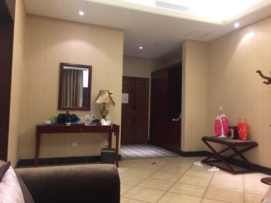 绿岛白帆假日酒店(昌黎三纬路店)点评