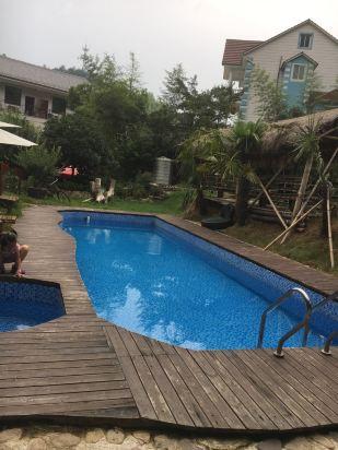 海龙山庄游泳池