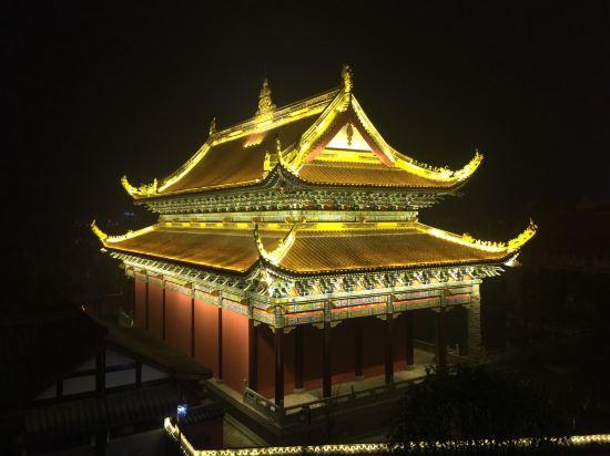 靠近风景名胜区(汉丰湖,文峰塔