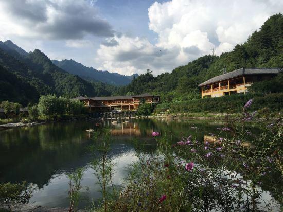 宁陕上坝河国家森林公园秦岭小镇