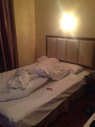 晚上卧室图片真实照片