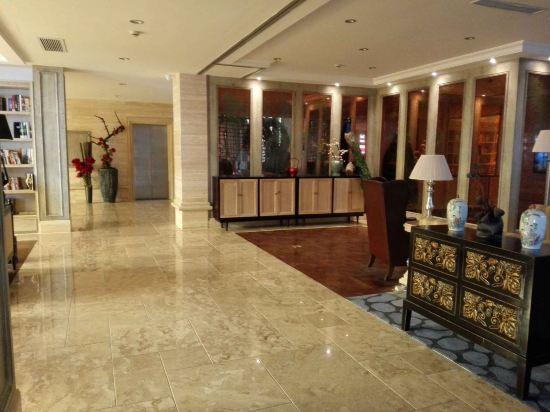 酒店位于莫干山景区内,在山顶,所以位置来说无可挑剔,离蒋公当年的