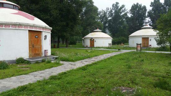 关于承德避暑山庄蒙古包度假村