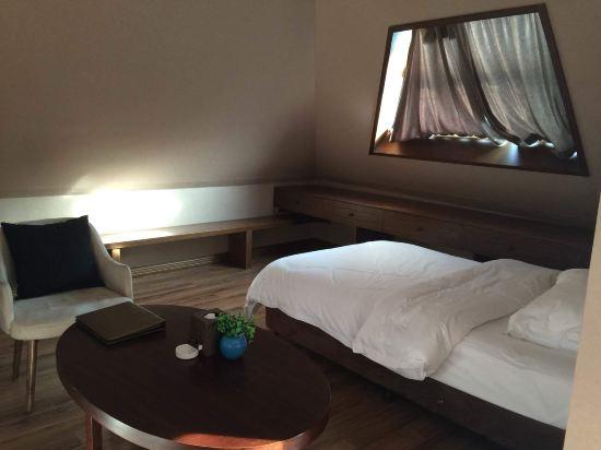 文成天鹅堡养生度假酒店预订价格,联系电话 位置地址