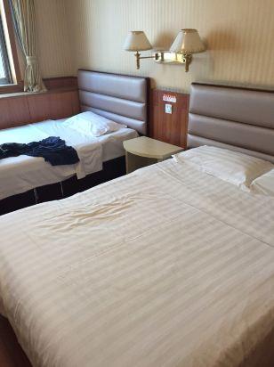 青岛铁路人和商务酒店预订价格,联系电话位置地址