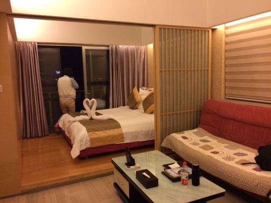 成都途家斯维登度假公寓(鹭岛国际)