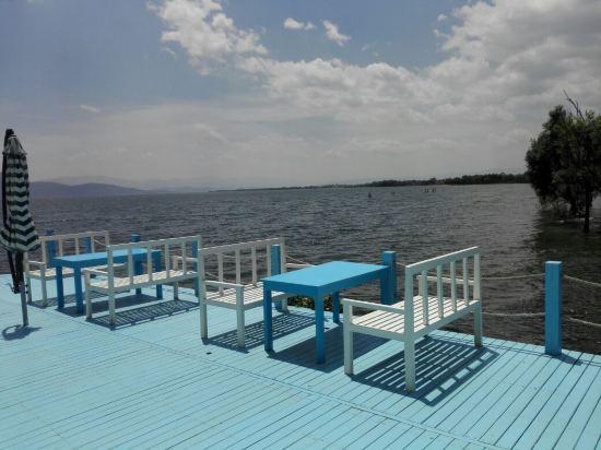 关于大理洱海月亮岛湖景客栈