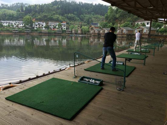 还有水上高尔夫娱乐项目
