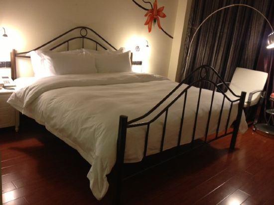 很有设计的酒店,床铺……,厦门东方桃源亚卡地尔酒店