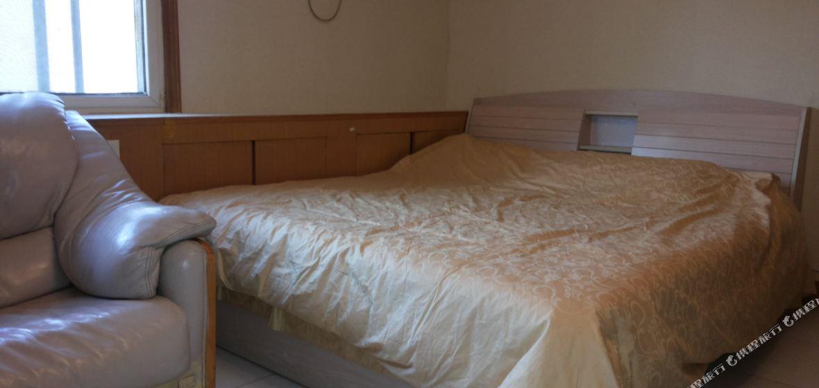 背景墙 房间 家居 酒店 设计 卧室 卧室装修 现代 装修 1180_560