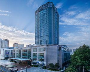 香港-西安自由行 上海航空公司-陝西世紀金源大飯店