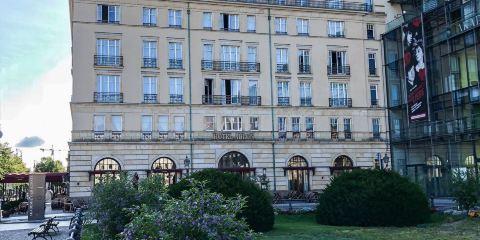 法國航空公司阿德隆凱賓斯基酒店
