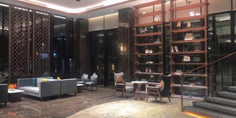 香港航空荷泰酒店(海口紅城湖店)