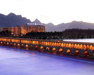香港-伊斯法罕自由行 阿聯酋航空伊斯法康索酒店