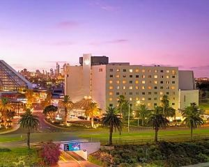 香港-珀斯自由行 香港航空珀斯皇冠江濱大酒店