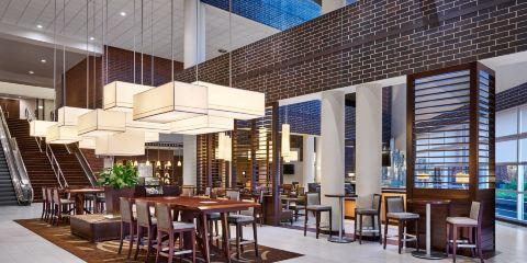 美國聯合航空+印第安納波利斯喜來登酒店(位於凱斯通克羅星)