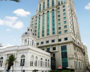 香港-棉蘭自由行 國泰港龍航空大門市政廳大酒店