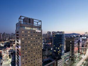 首爾華美達安可酒店(Ramada Encore Seoul Dongdaemun)