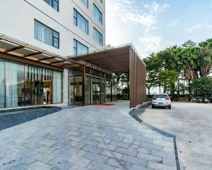 香港-北海自由行 中國東方航空公司-北海日不落海景酒店