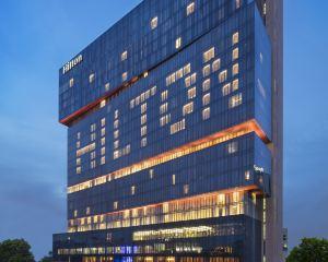 香港-廣州自由行 中國國際航空公司-廣州天河希爾頓酒店