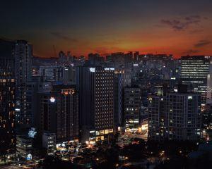 香港-首爾 4天自由行 國泰航空+九棵樹酒店東大門