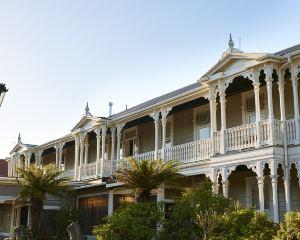 香港-羅托魯亞自由行 新西蘭航空-王子之門酒店