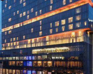 香港-廣州自由行 新加坡航空-廣州天河希爾頓酒店