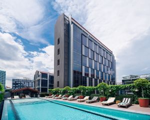香港-新加坡 4天自由行 新加坡航空+新加坡M Social酒店 (Staycation Approved)