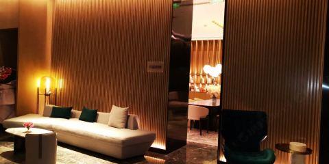 香港航空水雲嵐酒店(武漢江漢路步行街店)