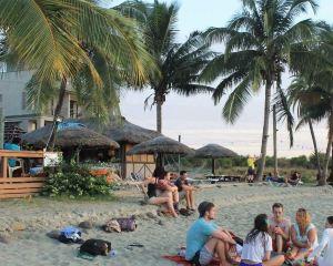香港-楠迪自由行 斐濟航空走私者海灣沙灘度假酒店