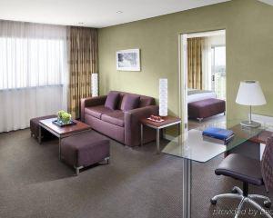 香港-珀斯自由行 新加坡航空珀斯皇冠江濱大酒店