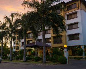 香港-達累斯薩拉姆自由行 國泰航空-海崖閣酒店及豪華公寓