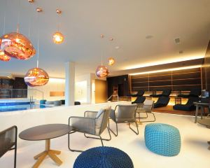 香港-加里寧格勒自由行 法國航空公司-水晶之家套房 SPA 酒店