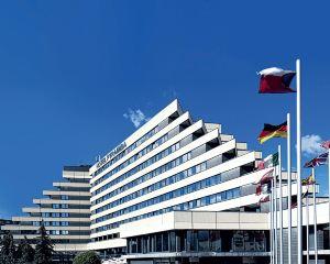 香港-布拉格自由行 芬蘭航空公司布拉格金字塔奧雷阿酒店