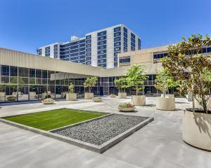 香港-洛杉磯自由行 法國航空公司-洛杉磯機場希爾頓酒店