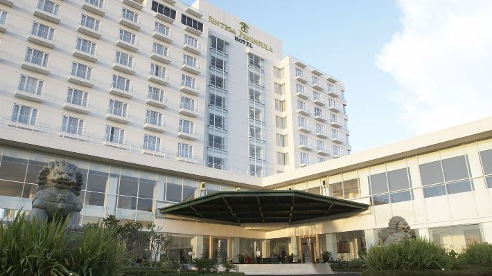 美娜多巨港半島酒店