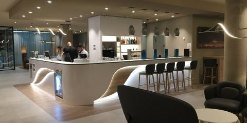 國泰航空法蘭克福機場希爾頓歡朋酒店
