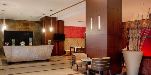 芬蘭航空公司+卡塔尼亞中心NH酒店