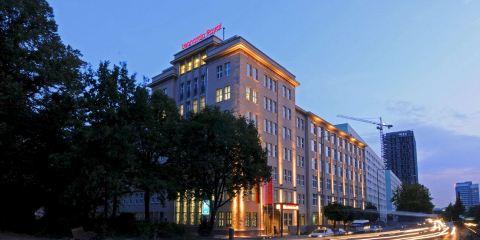 國泰航空柏林亞歷山大廣場萊昂納多皇家酒店