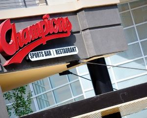 香港-韋恩堡 自由行 荷蘭皇家航空公司-韋恩堡市區格蘭德韋恩會展中心萬怡酒店