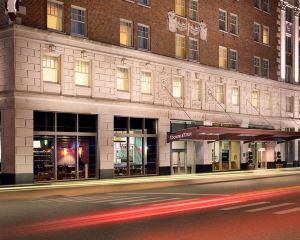 香港-底特律自由行 美國航空公司-底特律市中心希爾頓逸林酒店--謝爾比堡