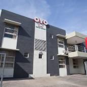 OYO 143 Dukuh Residence