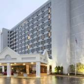 聖路易斯西港希爾頓逸林酒店