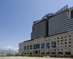 香港-那不勒斯自由行 德國漢莎航空-那不勒斯假日酒店