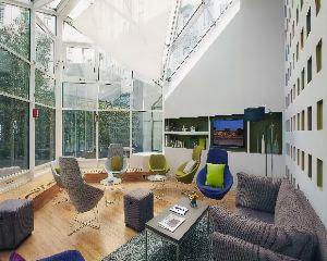 香港-巴黎自由行 中華航空公司-巴黎馨樂庭頂級酒店
