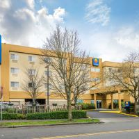 舒適酒店加極光大道北套房(Comfort Inn & Suites Aurora Avenue North)